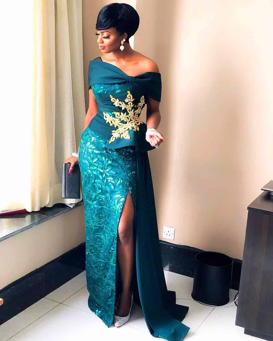 Trendy Lace Gown Styles 2020 For Black Women's